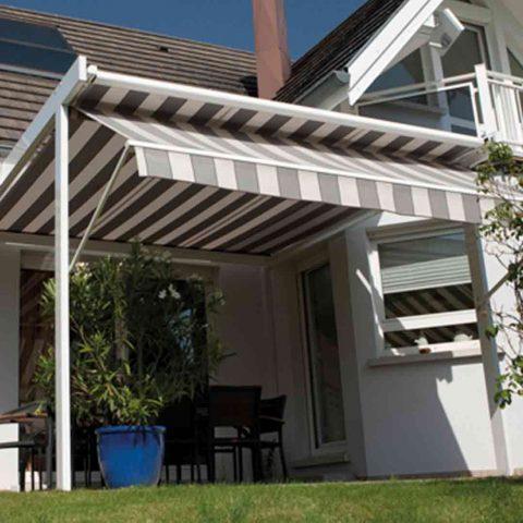 store de terrasse tissu maison traditionnelle